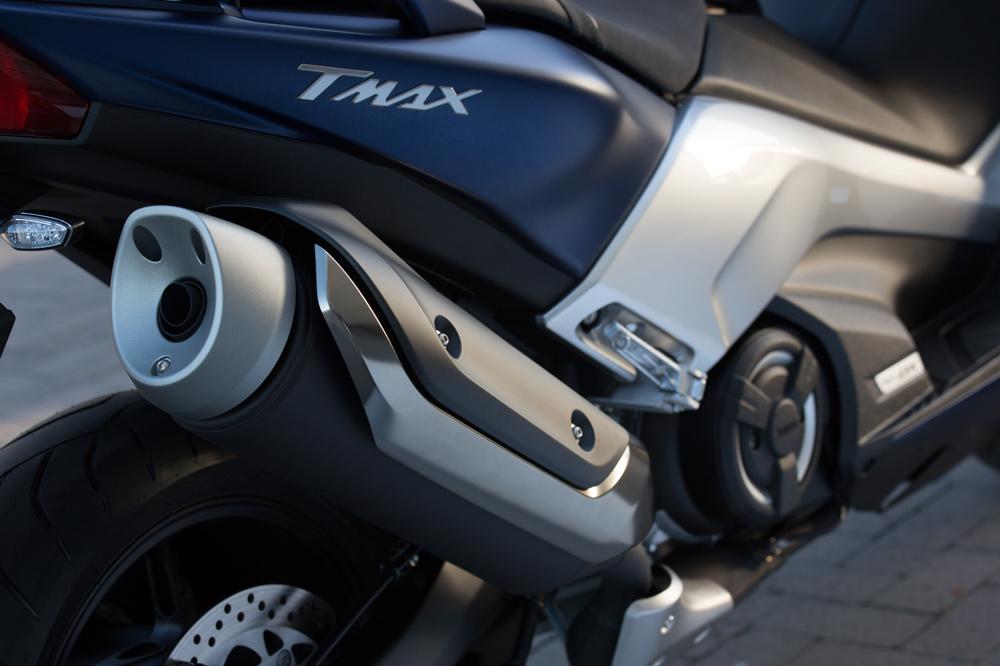 Silenciador del Yamaha T Max 530 2017