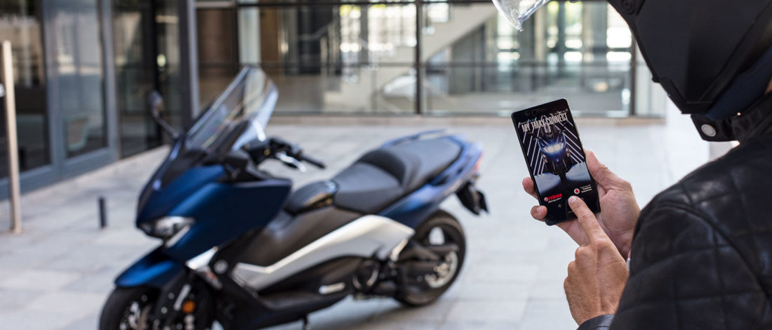 Vodafone Automotive y Yamaha T-MAX