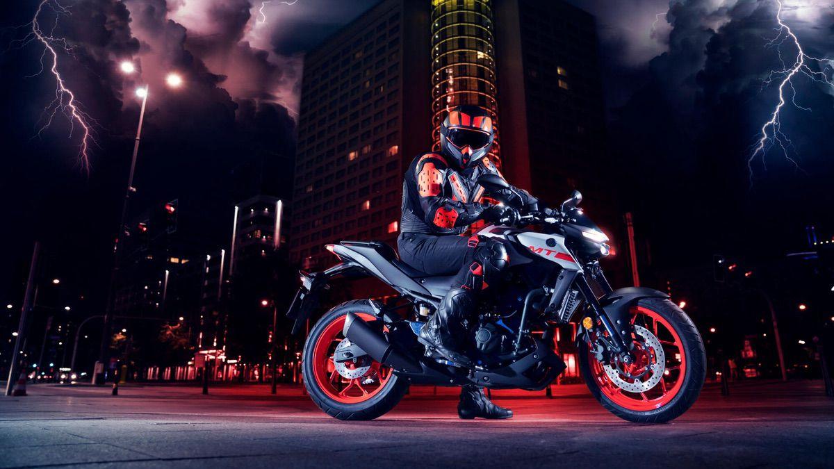 Las 10 motos naked más bajitas para el A2 - Yamaha MT 03