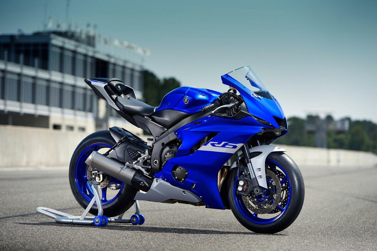 Yamaha R6 RACE, una moto en exclusiva para circuito