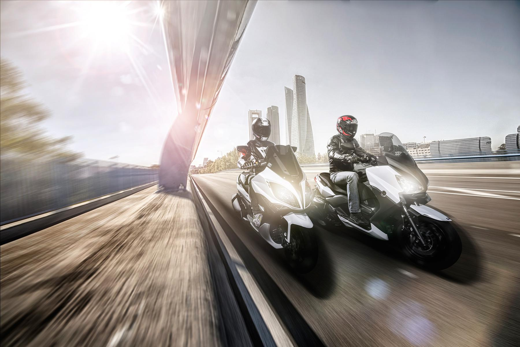 Yamaha X-Max 400 vs Kymco Xciting 400