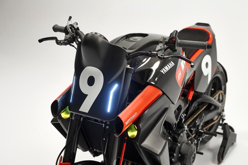Yamaha XR9 Carbona