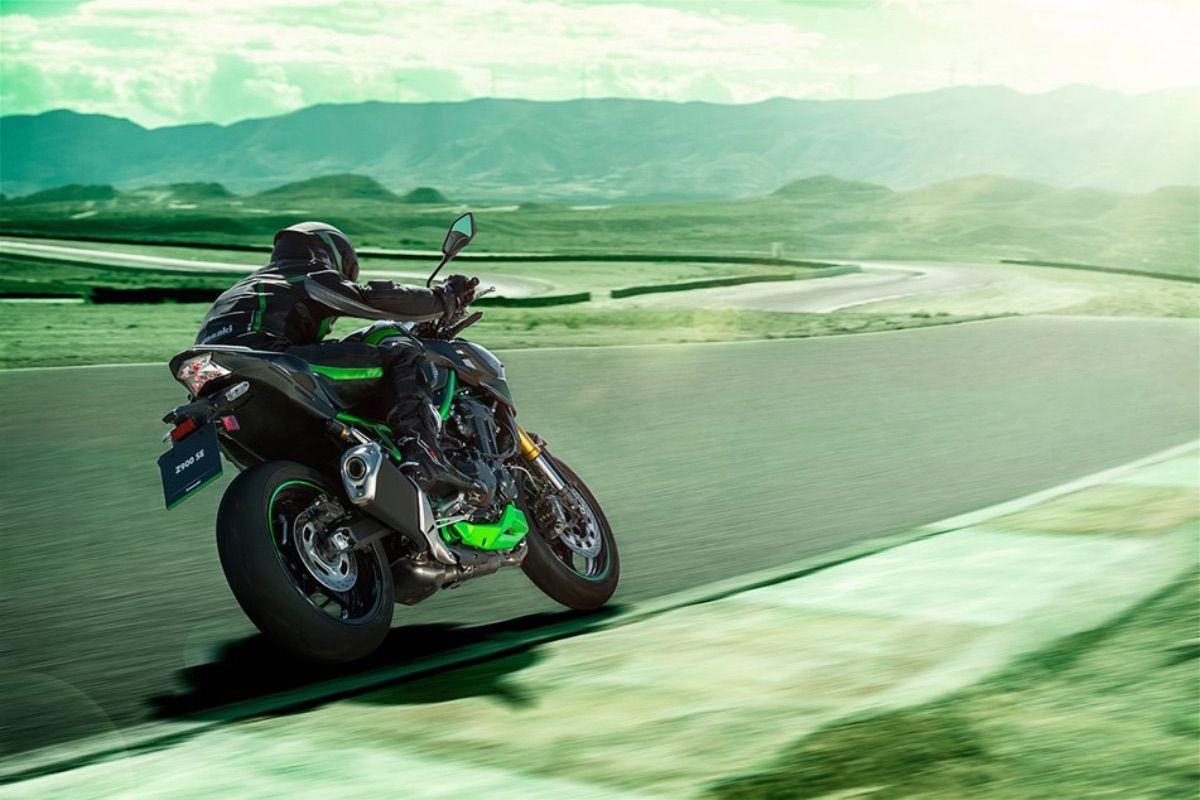 Nueva Kawasaki Z900 SE 2022: mejores frenos y suspensiones