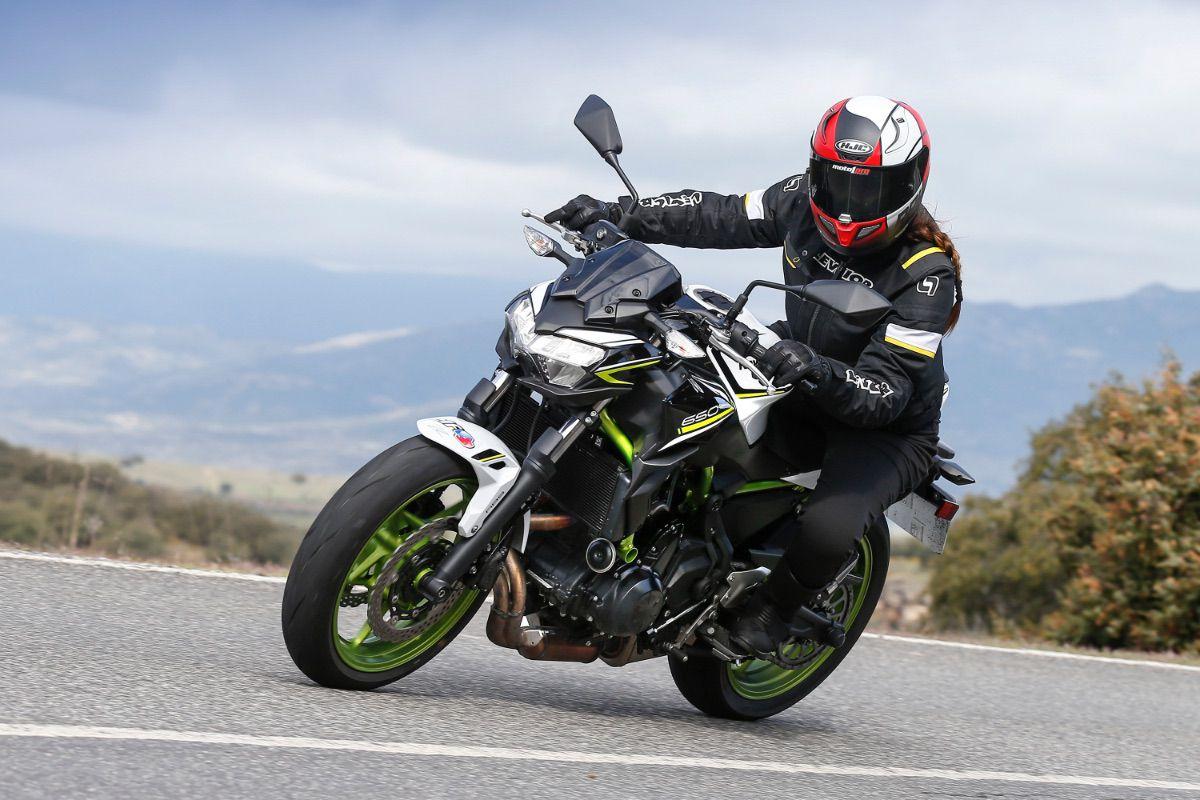 Prueba Gama Kawasaki Z 2021 para el A2: ¿Eres capaz de elegir?