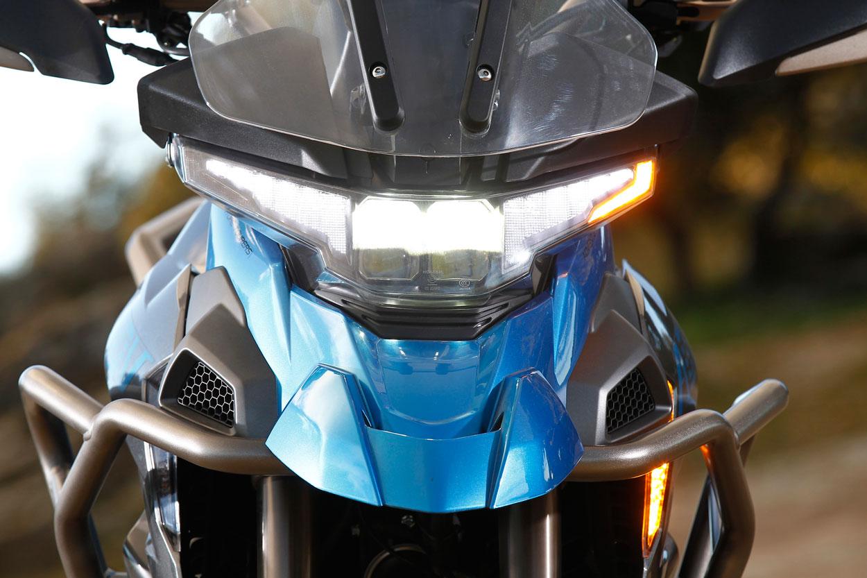 Opticas de LED en la Zontes T 310